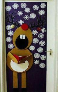Украсить дверь можно не только ко Дню Рождения, но и к Рождеству, Новому году, 8-марта