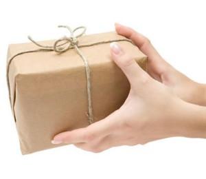 Отправьте ей (ему) подарок курьером с доставкой вечером или ночью