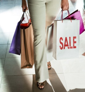 Женщинам в этот день можно просто прогуляться по магазинам