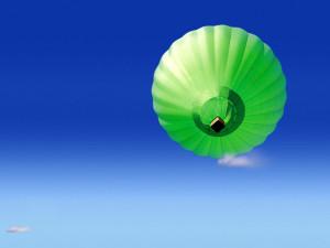 зеленый воздушный шар