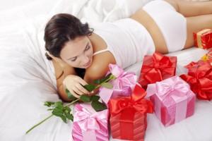 Что можно подарить на год отношений?