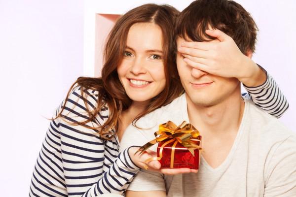 Что подарить любимому на День рождения – лучшие варианты