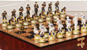 Интересный набор для игры в шахматы